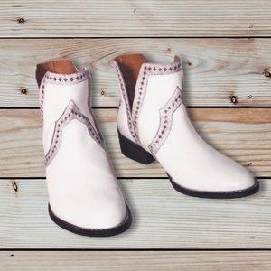 Very Volatile Leather White Star Cowboy Bo…